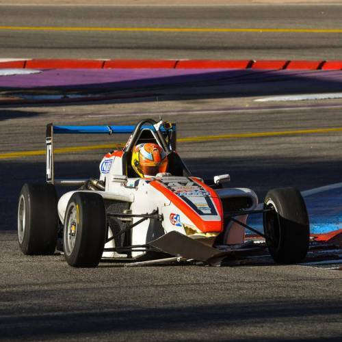 NICOLÁS CARBÓN – MR RACING